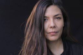 JANELAS ABERTAS – Laura Mora