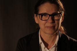JANELAS ABERTAS – Idilkó Enyedi